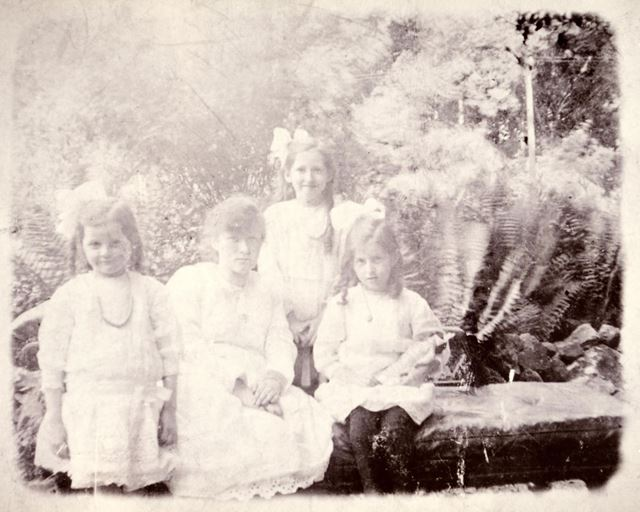 The List Sisters in the garden of Butterley Carr House, Ripley, 1918