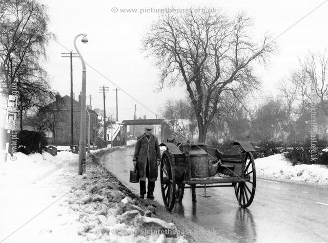 Delivering milk, Nottingham Road