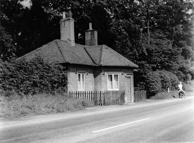 Old Toll-Bar cottage