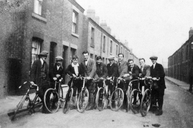 Members of Ripley Clarion Cycle Club 1924