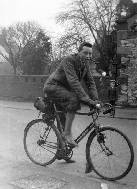 A member of the Notts and Derbys cycling club, c1926
