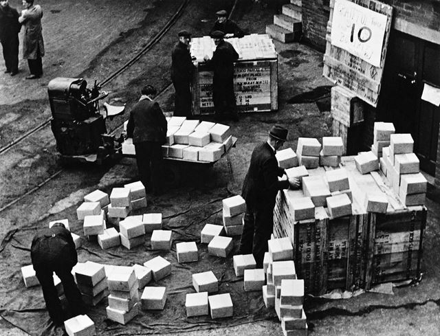 Distribution of Sunshine Food parcels, 1945