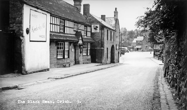 The Black Swan, Bowns Hill, Crich, c 1950s ?