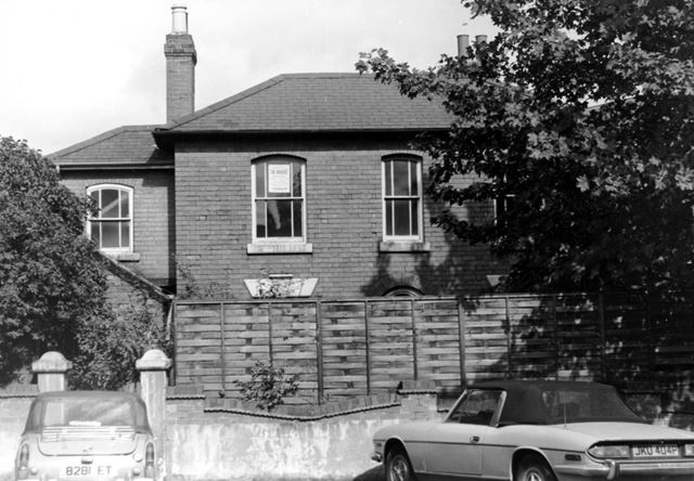 Old house at the bottom of Grosvenor Road, Ripley, 1976