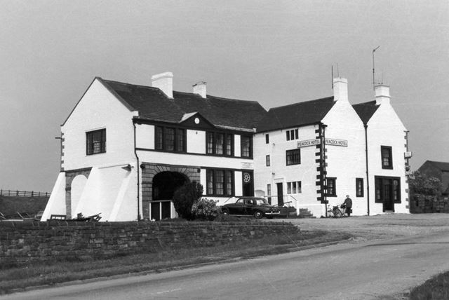 Peacock Hotel, Four Lane Ends, Oakerthorpe, near Alfreton, c 1950?s