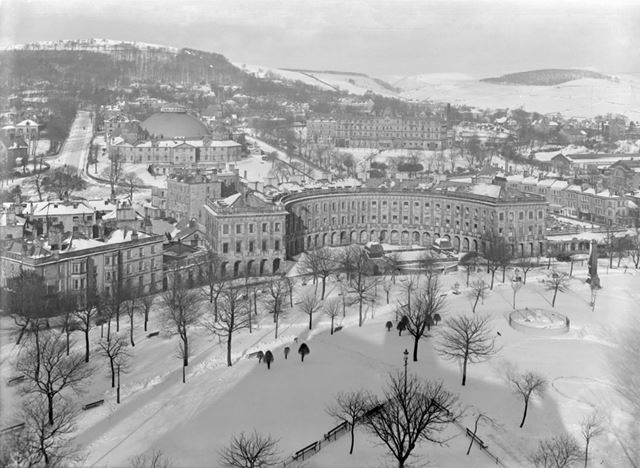 A view of Buxton in the snow, including The Crescent