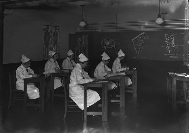 Nurses at lectures - The Devonshire Royal Hospital