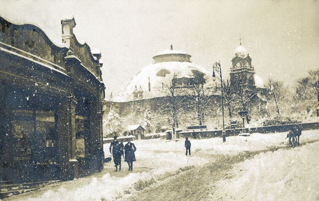 The Quadrant and Devonshire Hospital in snow, Buxton, c 1904