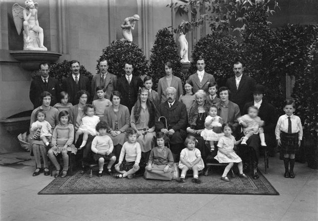 9th Duke of Devonshire and family - four generations of the Cavendish family, 1928