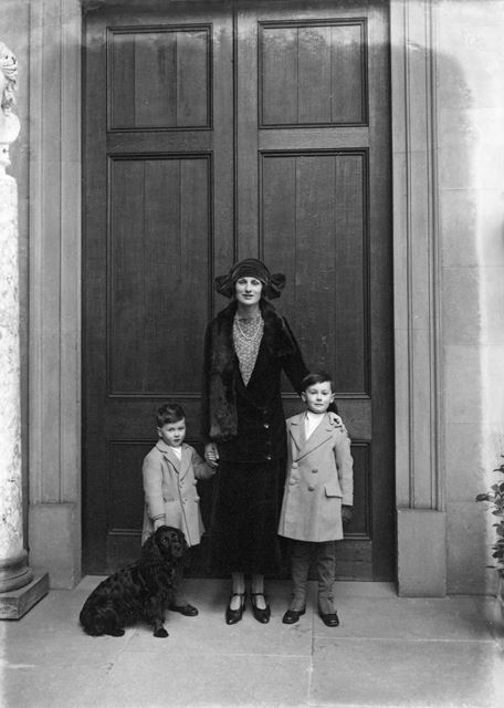 Lady Hartington and William (Billy, on the right) and Andrew, and the family dog, at Chatsworth Hous