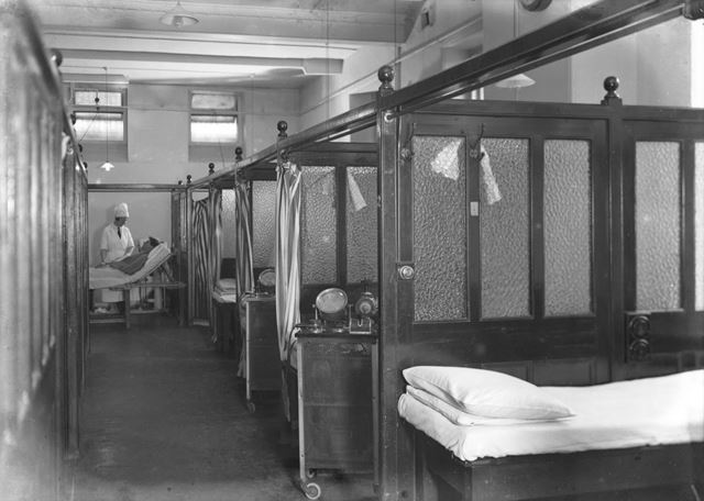 Treatment cubicles, Devonshire Royal Hospital, Devonshire Road, Buxton, 1931-33