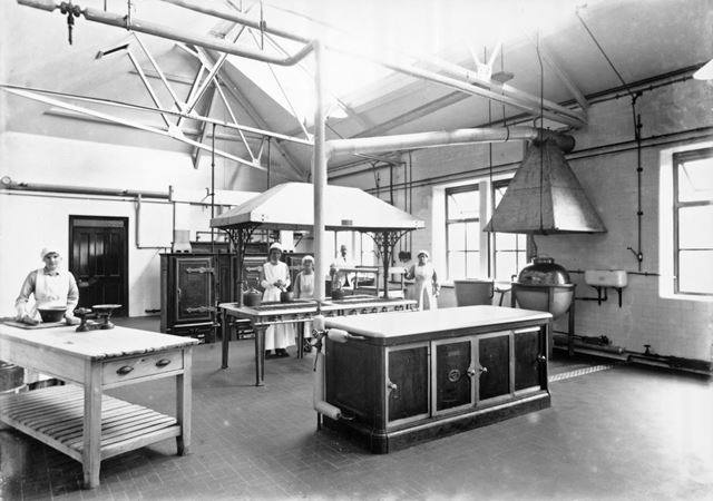 Interior of kitchen, Devonshire Royal Hospital, Devonshire Road, Buxton, 1923