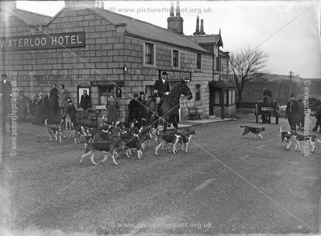 Hunt Meeting, Waterloo Hotel, Taddington, 1939