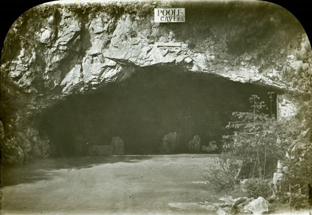Poole's Cavern entrance
