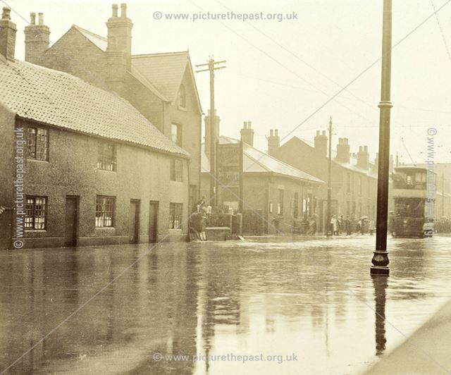 Floods on Chatsworth Road, 1922