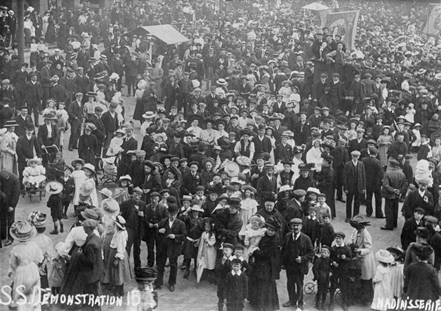 Sunday School Demonstration, Market Place, Chesterfield, c 1900