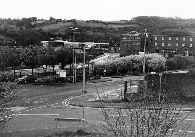 Durrant Road, Chesterfield, 2001