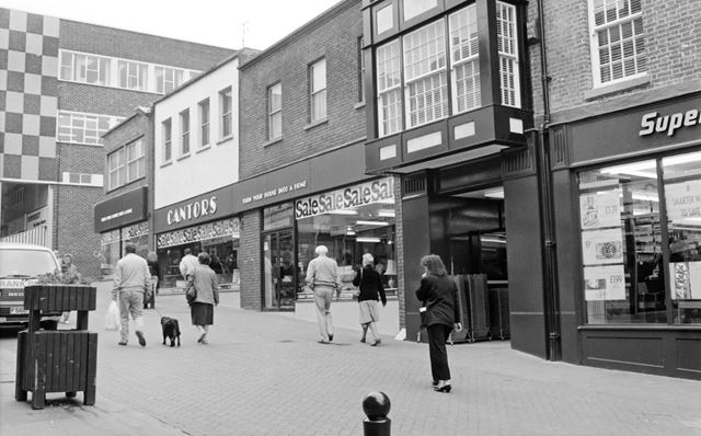 Lower Packers Row, Chesterfield, 1990