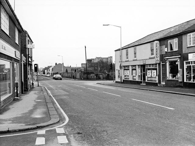 Junction of Chatsworth Road, Walton Road and Old Hall Road, Chesterfield, 1989