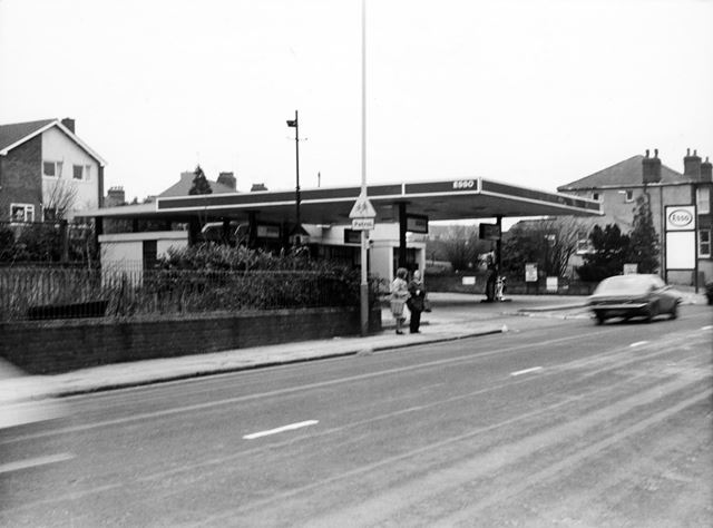 ESSO Garage, Chatsworth Road, Brampton, Chesterfield, 1989