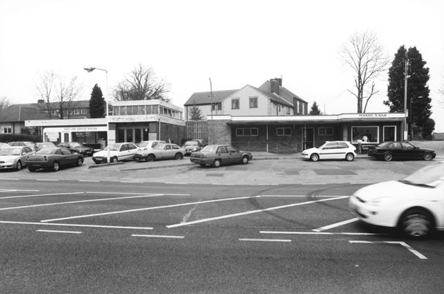 West End Services Station and Harry's Bar, Chatsworth Road, Brampton, 2003
