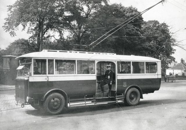 New trolleybus outside Terminus Hotel, Brampton, Chesterfield, 1927