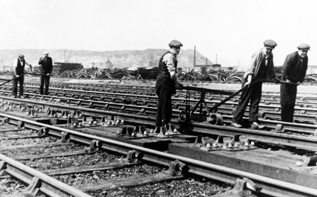 Relaying the railway track at Barrow Hill