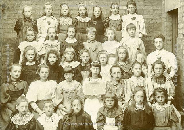 School Photo, Possibly Outram Street School, Ripley, c 1900