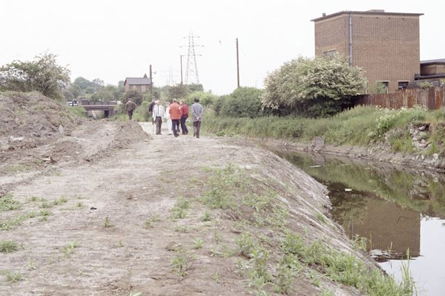 Chesterfield Canal, Hollingwood, 1991