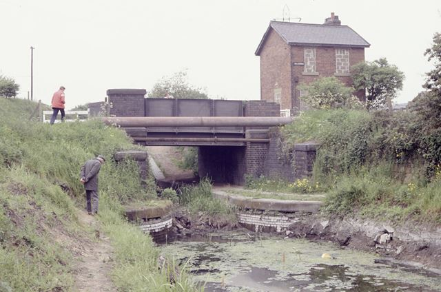 Works Road Bridge on the Chesterfield Canal, Hollingwood, 1991