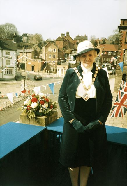 Mrs Molly Glossop, Mayor, waiting to greet the Queen