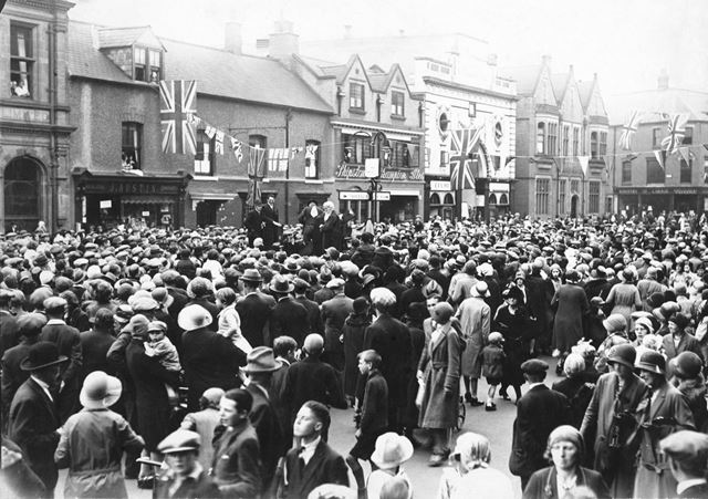 West side of the Market Place, Inauguration (?) of Long Eaton Carnival