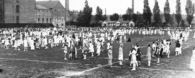 Carnival participants on the East Side of West Park, Long Eaton, 1930?