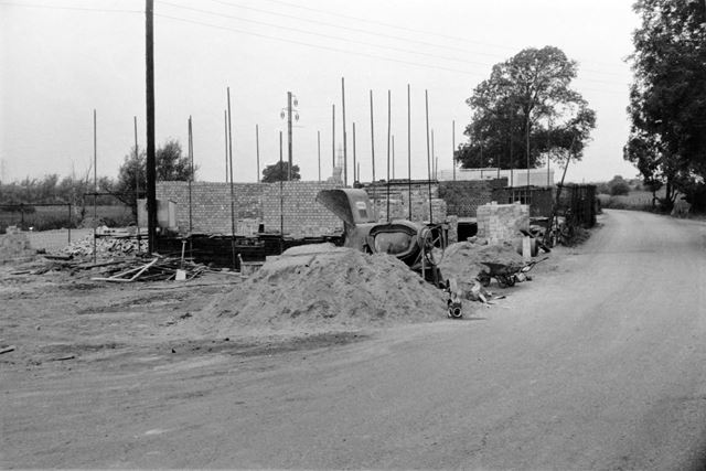 Construction of toilets in the Public Car Park, Trent Lock