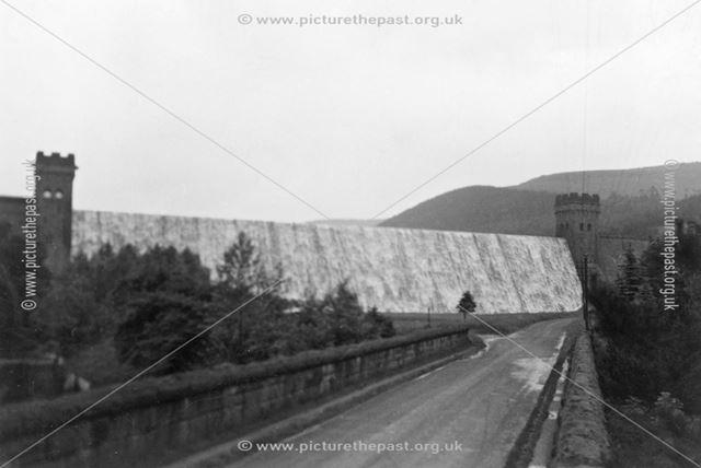 Ladybower dam in flood, Ladybowerc 1950s
