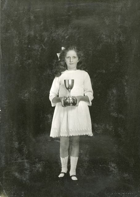 Prize Pupil Molly Hassall, National School, Claye Street, Long Eaton, 1924