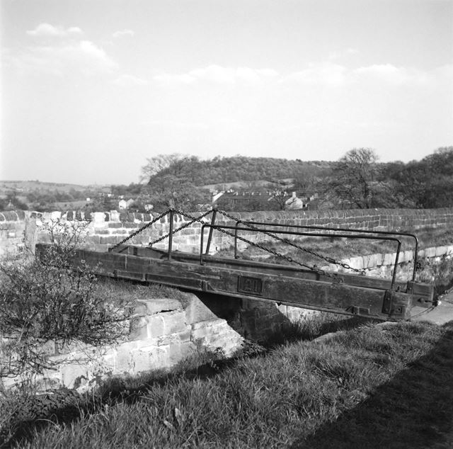 Cromford Canal, swingbridge
