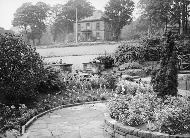 Garden of Remembrance, High Lee Hall, New mills