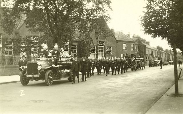Fire Brigade funeral of Robert Longden (born 1869)