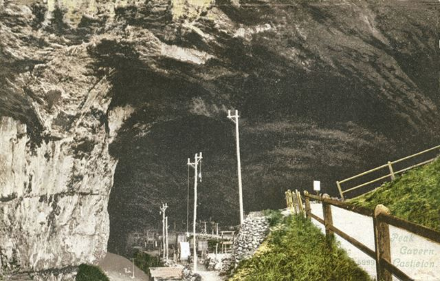 Entrance to Peak Cavern, Goosehill, Castleton, c 1900