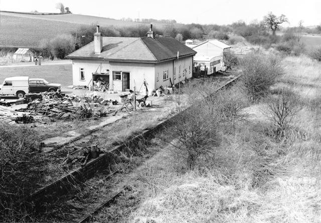 Disused line and ex-railway station buildings, 'Tong and Breedon' (former spelling of the Station na