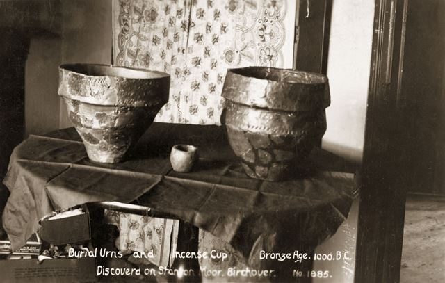 Burial Urns and Incense Cup
