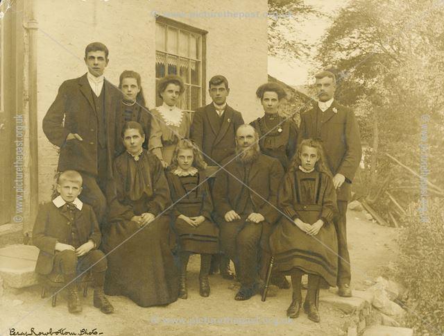 The Ellis family who lived at Primrose Cottage
