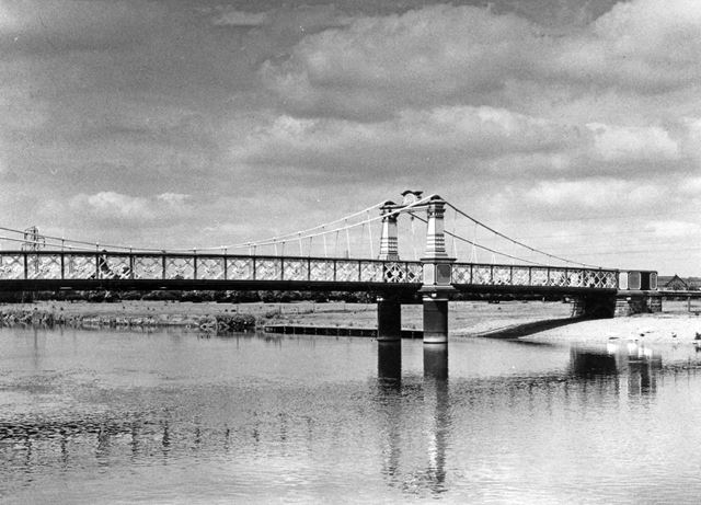 This bridge was opened in 1889 and replaced the local ferry, hence the name 'Ferry Bridge'.