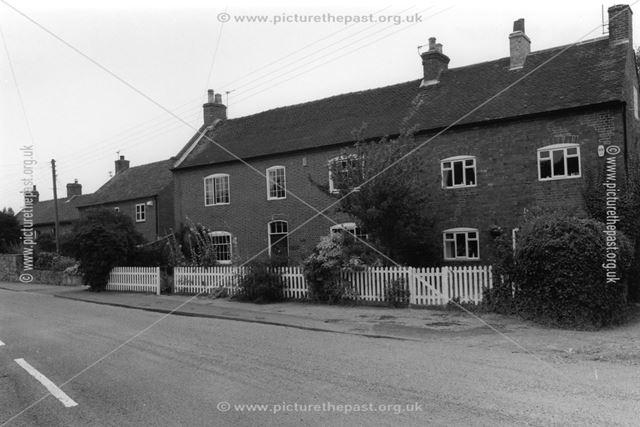 Cottages by Hollies Farm, Stanton-by-Bridge