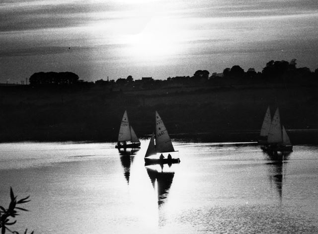 Sailing on Butterley reservoir