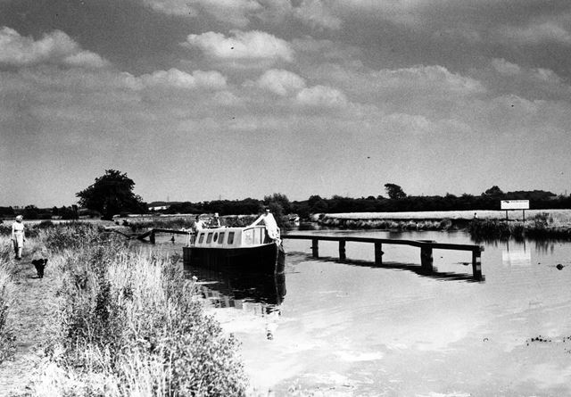 The divergence of River Trent and Trent and Mersey Canal, Alrewas, Staffordshire, c 1960/70s