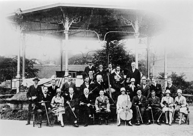 Band Stand and Orchestra, Hall Leys Park, Matlock, 1920