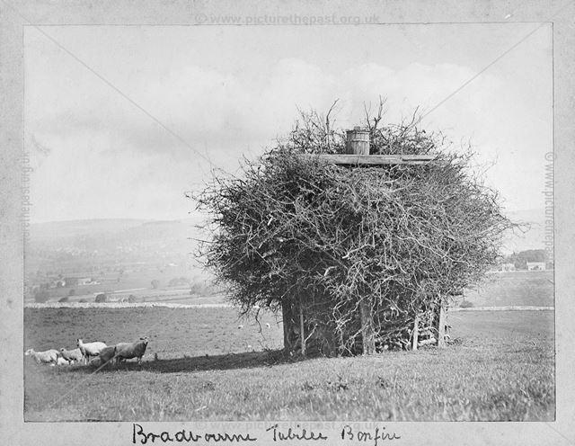 Jubilee Bonfire, Bradbourne, c 1890s