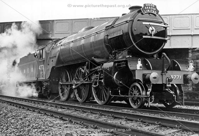 Steam loco Green Arrow, London Road Bridge, Derby, 1987